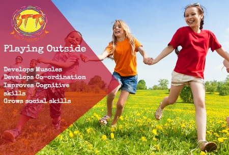 children develop sensory skills playing outdoors