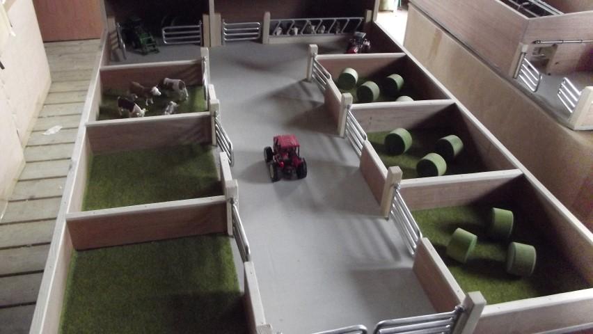 Cattle shed,yard,6 Paddocks,toy farm,wooden toy farm.