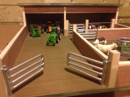 Wooden Toy Farm Yard Large Field Machinery Shed Cattle