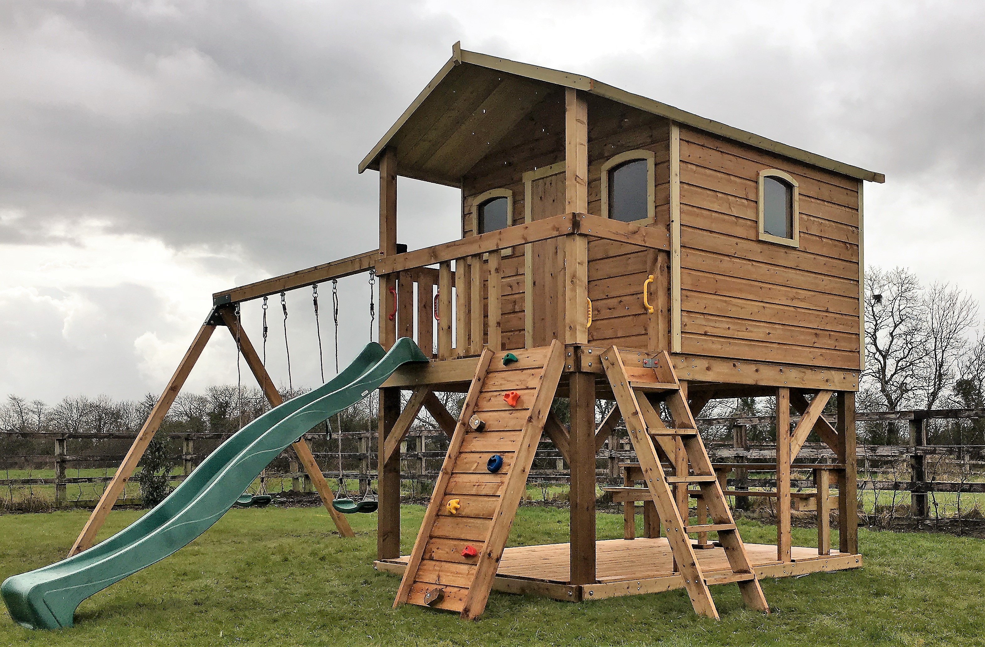 Super Sized Deluxe Tree House Swings 10ft Slide Picnic