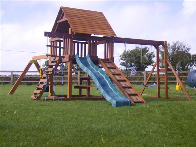 Climbing frame tree house monkey bar swing beam slide plus tyre swing