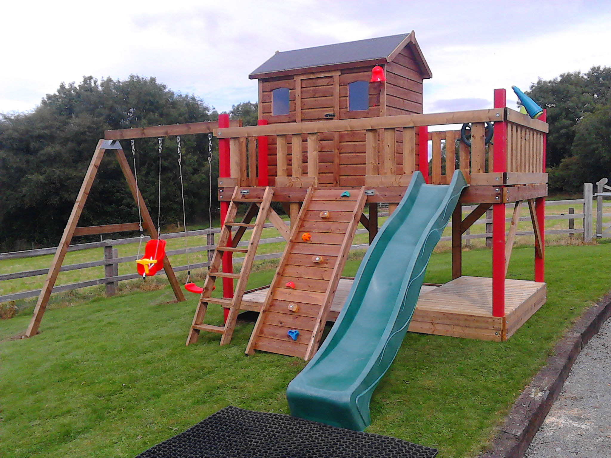 Play house large play deck timber sand box lid swing set