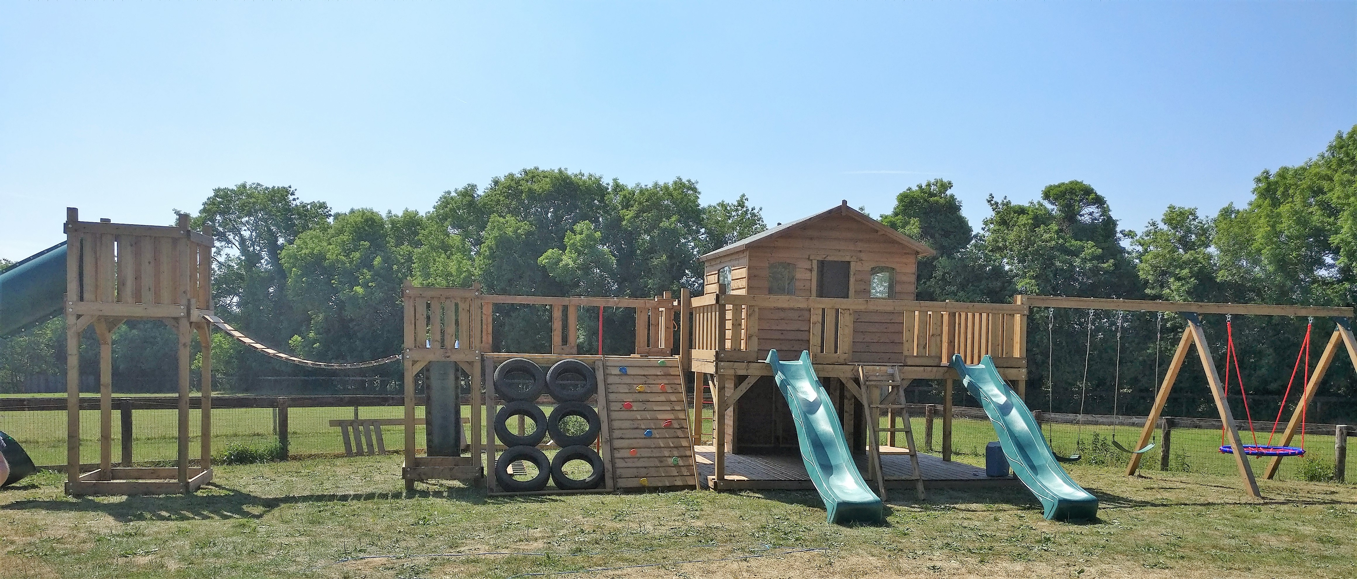 STTSwings-ultimate-jungle-gym-treehouse-playcentre