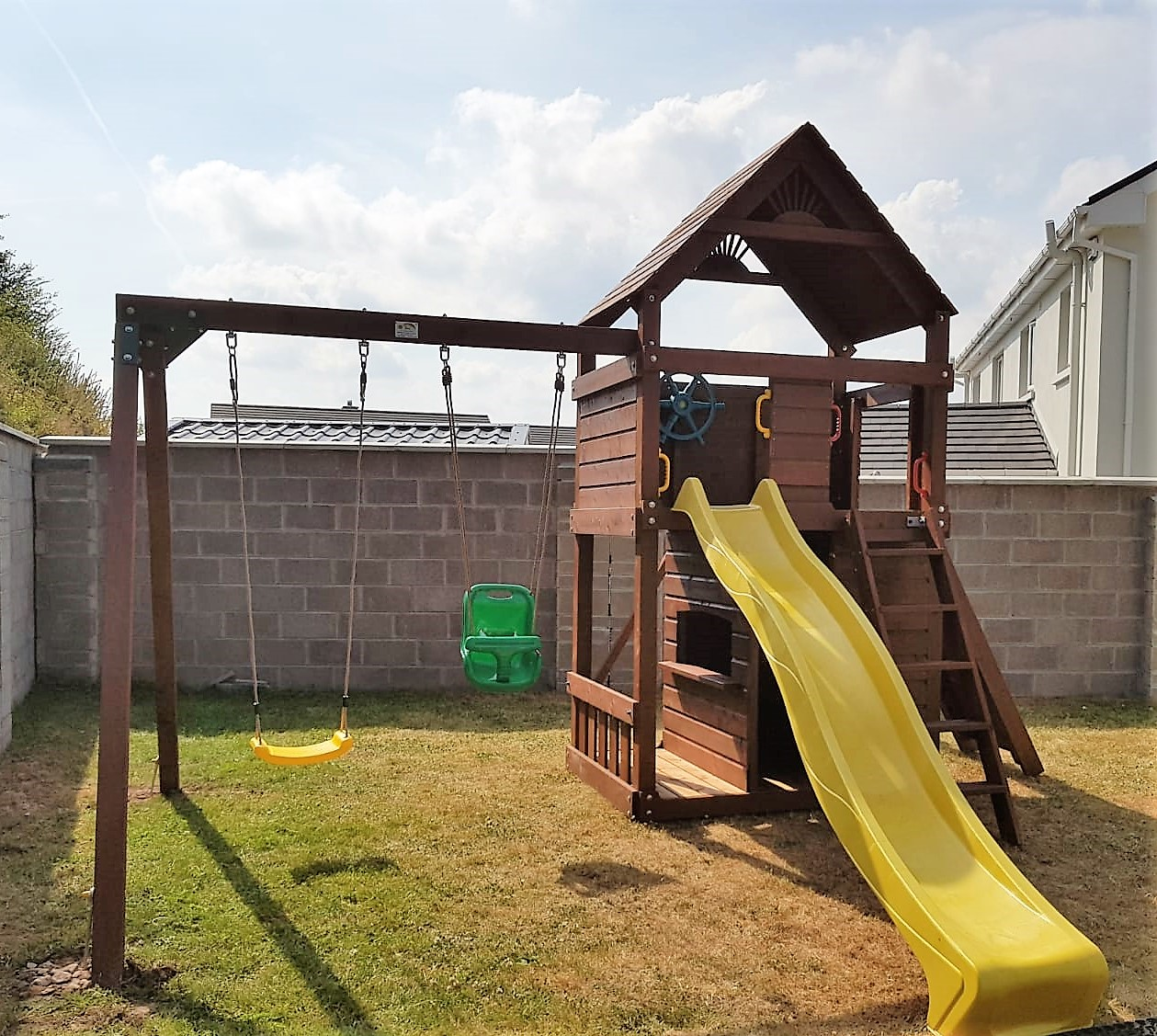 Clover-Dale-climbing-frame-STTSwings